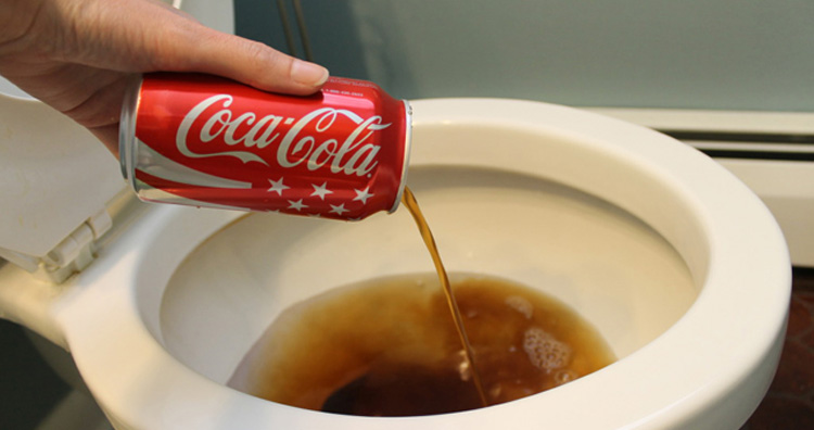 Coca-Cola Suspends Commercials on Social Media for A Month
