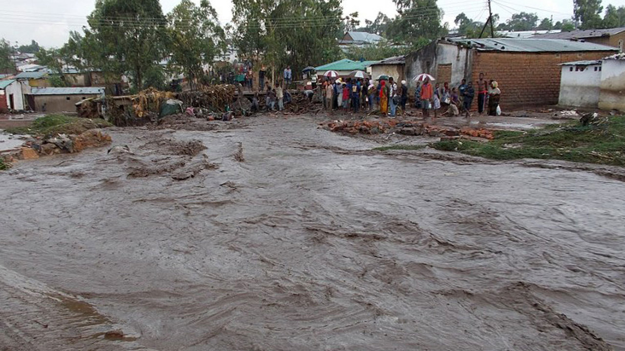 Hundreds Deaths Floods Zimbabwe