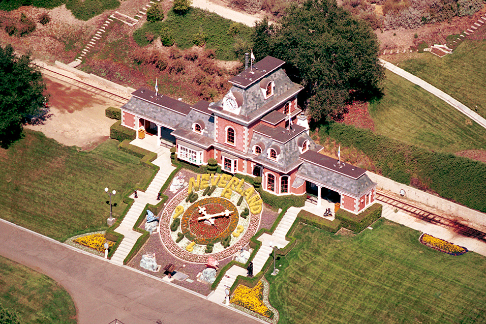 Neverland Estate of Michael Jackson Relisted with Huge Discount