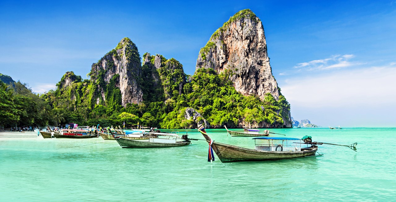 Thailand Banned Smoking for Tourists on 20 Beaches
