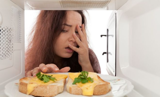 7 Foods that You Should Never Put in the Microwave