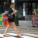 Honolulu BANS Pedestrians and Street Crossing from Mobile Texting