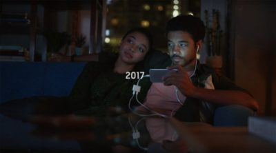 Samsung Makes iPhone Models Ridiculous in Advertising