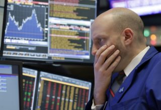 The Stock Exchanges in New York Started with Losses on the Last Trading Day