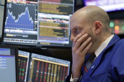 US Stocks Slips, Moderate Losses on Wall Street