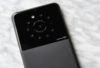 Smartphone with Nine Cameras Makes 64 Megapixel Photos