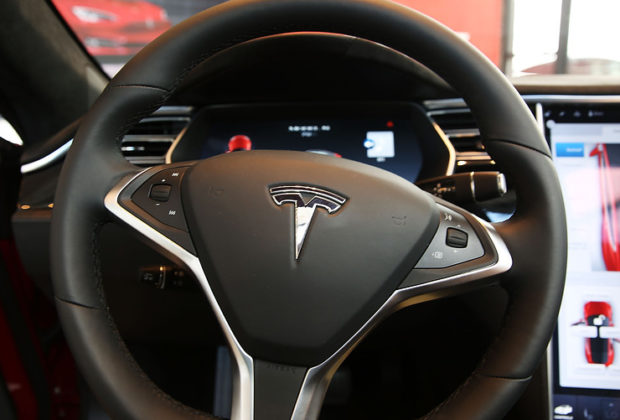 Automobile Company Tesla Builds Almost 1000 Cars Per Day
