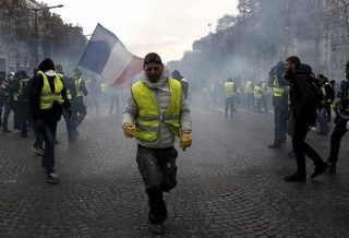 Egypt Restricts Yellow Vests Sales to Avoid Copycat Protests
