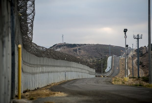 Wall with Mexico: US Government Extends to Close the Border