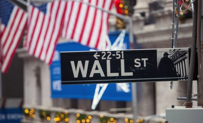 The Stock Markets in New York Opened on Monday with Small Profits