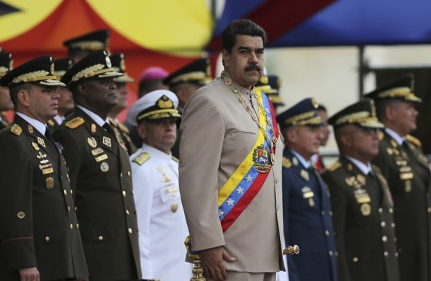 Venezuelan Parliament Calls On Army to Drop Off President Maduro