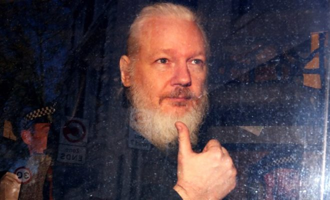 Wikileaks Sounds the alarm: Julian Assange is Running Back in Prison
