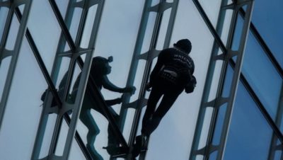 French Spiderman Arrested after Climbing Skyscraper in Frankfurt