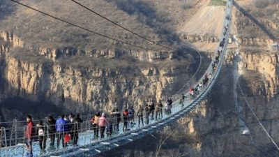 Chinese Province Closes all Glass Attractions after Series of Fatal Accidents