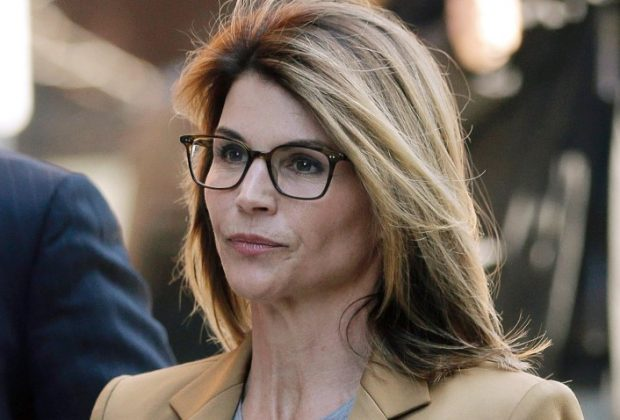 Lori Loughlin Gets Two Months in Prison for the Bribery Scandal