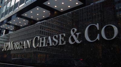 Despite Corona, JPMorgan Does Not Fumble With A Million-Dollar Bonus CEO